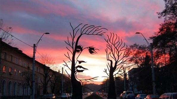 statuia-lui-mihai-eminescu